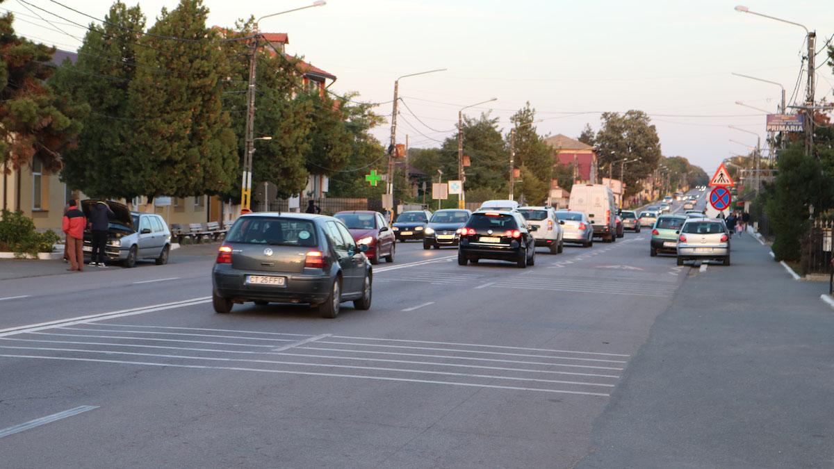 Drumul Național / Calea Dobrogei din Valu lui Traian. FOTO Adrian Boioglu / Valureni.ro