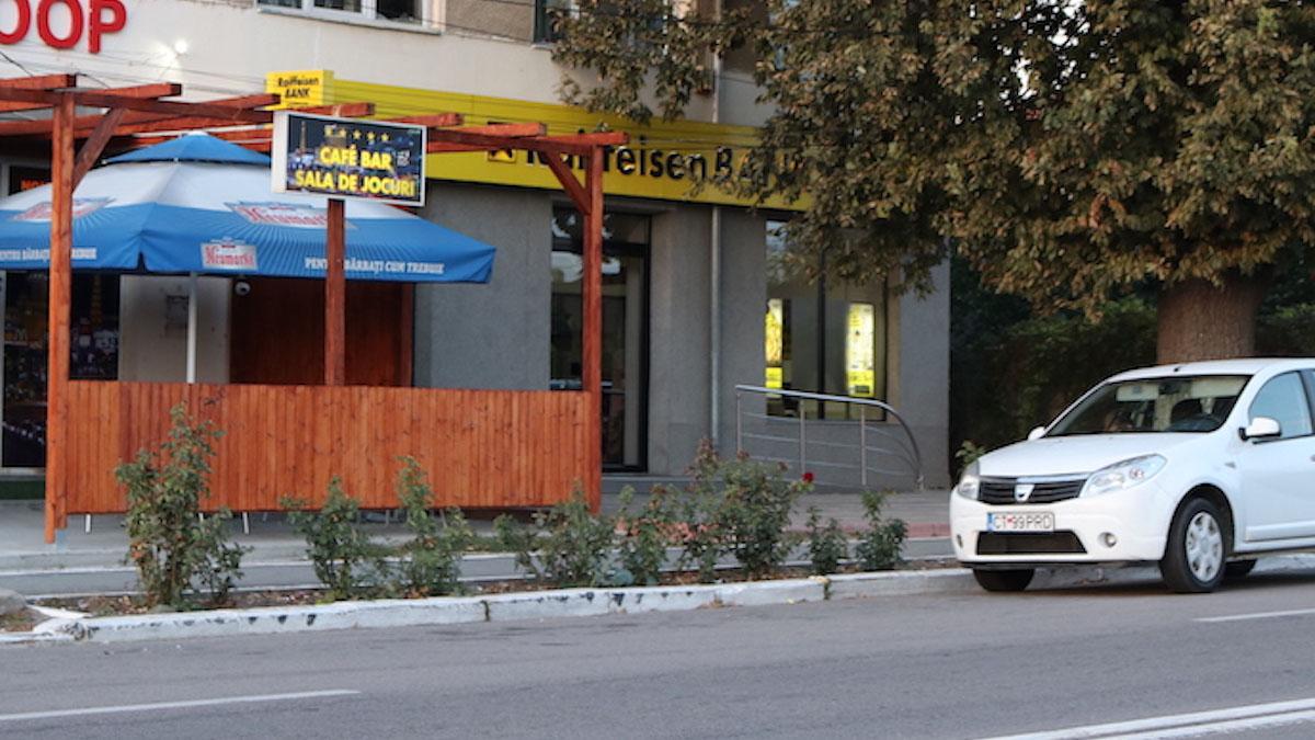 Sediul Raiffeisen Bank din Valu lui Traian. FOTO Adrian Boioglu / Valureni.ro