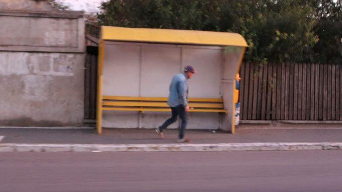 Stație de autobuz din Valu lui Traian. FOTO Adrian Boioglu / Valureni.ro