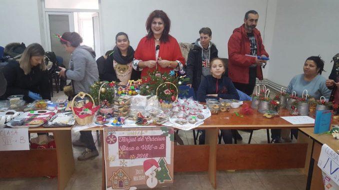 Târgul de Crăciun organizat de Școala nr. 1 Valu lui Traian