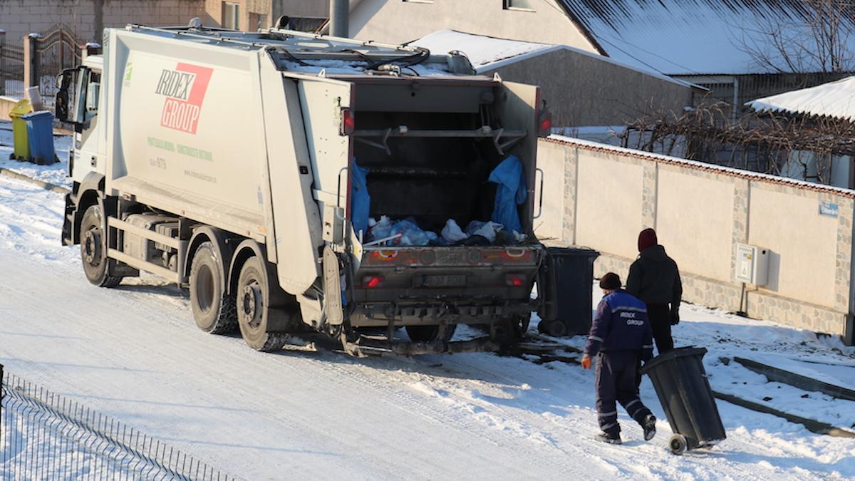 Gunoiul colectat de echipa IRIDEX pe timp de iarnă la Valu lui Traian. FOTO Adrian Boioglu
