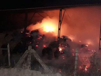 Incendiu de baloți la Ferma 6 din Valu lui Traian, FOTO ISU Dobrogea